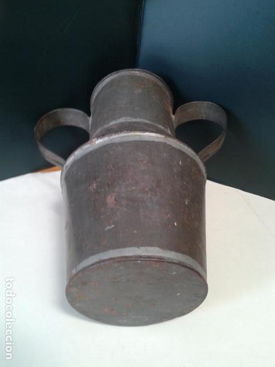 Antigüedades: Jarra de lata. Artesanía. Con Tapadera. Años 40. - Foto 2 - 105765659