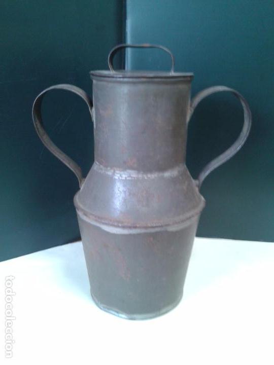 Antigüedades: Jarra de lata. Artesanía. Con Tapadera. Años 40. - Foto 3 - 105765659