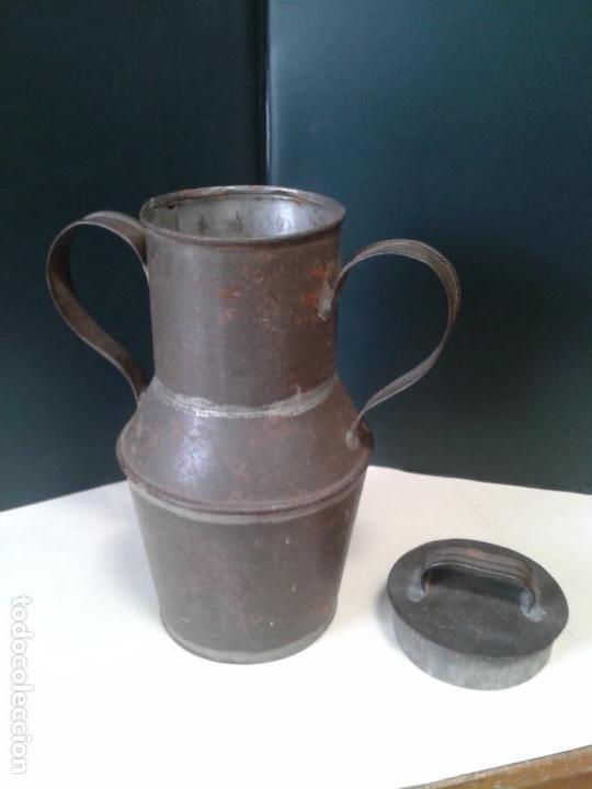 Antigüedades: Jarra de lata. Artesanía. Con Tapadera. Años 40. - Foto 7 - 105765659