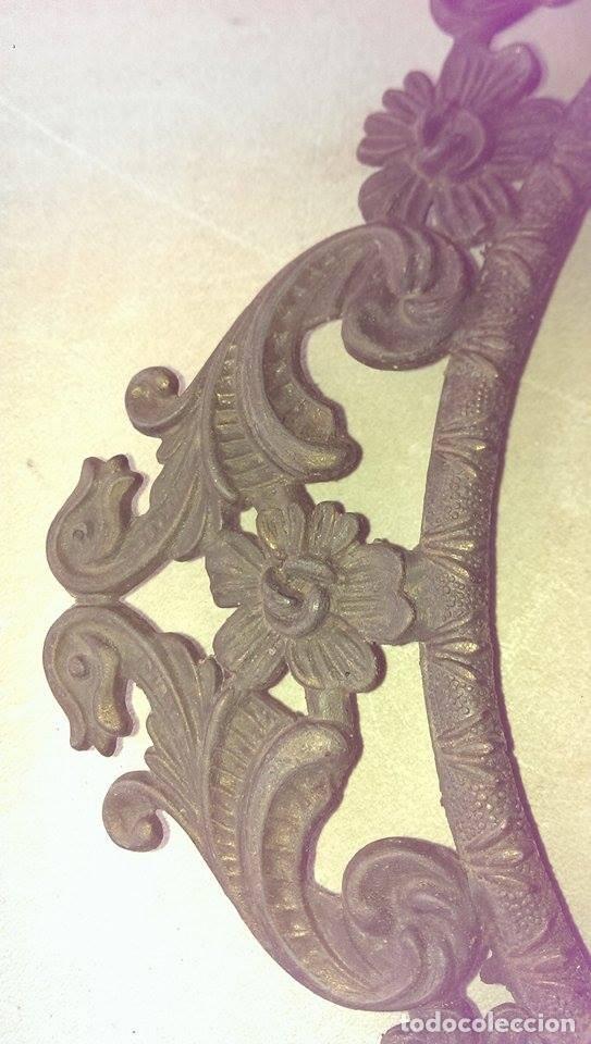 Antigüedades: Marco bronce muy antiguo para foto o cuadro 24x30 coleccion - Foto 2 - 105782287