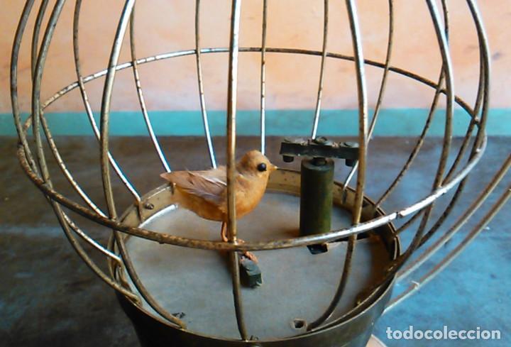 Antigüedades: Jaula de juguete antigua con música. Decoración musical. - Foto 3 - 105794591