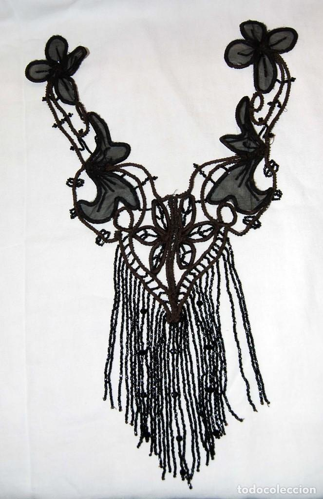 Antigüedades: Pechera o adorno, tipo collar, de azabache. - Foto 4 - 105804675