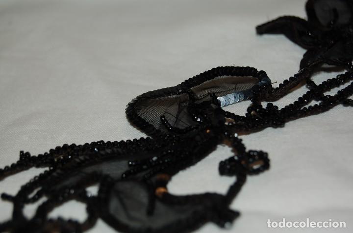 Antigüedades: Pechera o adorno, tipo collar, de azabache. - Foto 8 - 105804675