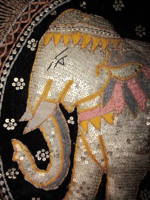 Antigüedades: cuadro tapiz elefante hecho artesanalmente y repujado con lentejuelas e hilos dorados - Foto 7 - 101671463