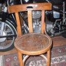 Antigüedades: ANTIGUA SILLA DE MADERA MARCA EN LA PATA MOCHOLI PARA RESTAURAR. Lote 105832559