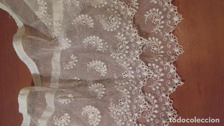 Antigüedades: antiguo tul bordado encaje tocado de virgen o paño de altar semana santa gran tamaño 385 cm leer - Foto 5 - 105843115