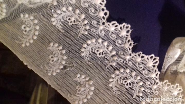 Antigüedades: antiguo tul bordado encaje tocado de virgen o paño de altar semana santa gran tamaño 385 cm leer - Foto 8 - 105843115