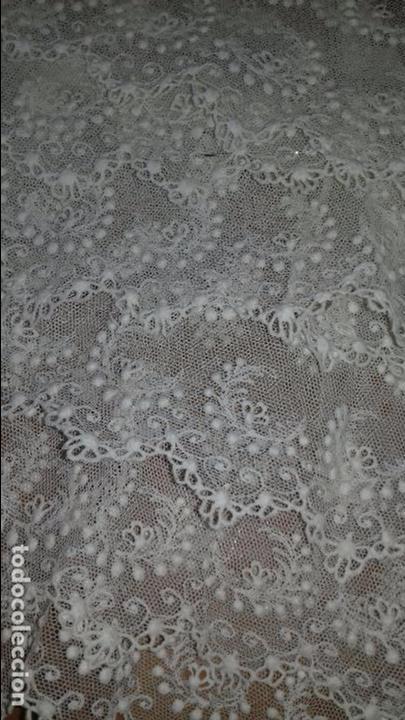 Antigüedades: antiguo tul bordado encaje tocado de virgen o paño de altar semana santa gran tamaño 385 cm leer - Foto 9 - 105843115