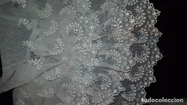 Antigüedades: antiguo tul bordado encaje tocado de virgen o paño de altar semana santa gran tamaño 385 cm leer - Foto 25 - 105843115