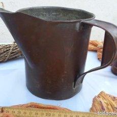Antigüedades: JARRA DE MEDIDA MUY ANTIGUA. EN VIEJO COBRE. GRANDE. PRECIOSA.. Lote 105853575
