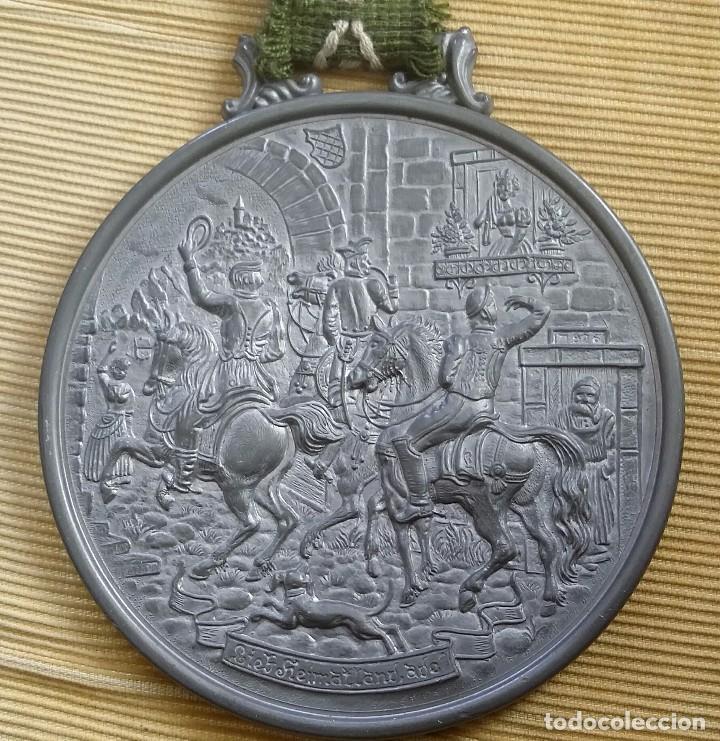 Antigüedades: MEDALLÓN ESTAÑO O PEWTER. MADE IN WESTERN GERMANY. LIEBE HEIMATLAND ADE. DE LA CONOCIDA MARCA: BMF - Foto 2 - 105853963