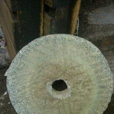 Antigüedades: PIEDRA DE MOLINO MANUAL EN GRANITO. Lote 105857983