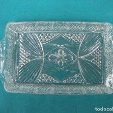 Antigüedades: BANDEJA DE CRISTAL SANTA LUCÍA. Lote 108936706