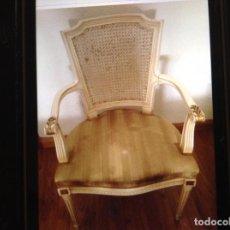 Antigüedades: PAREJA SILLONES MADERA LUIS XV LACADOS/DORADOS. Lote 105905287