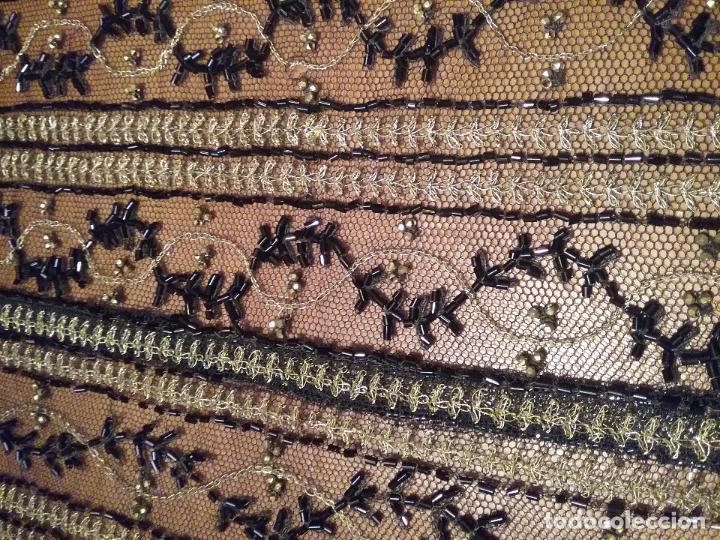 Antigüedades: antiguo tul bordado negro pedreria dorada oro y cristal de azabaches difuntos semana santa virgen - Foto 18 - 105933943