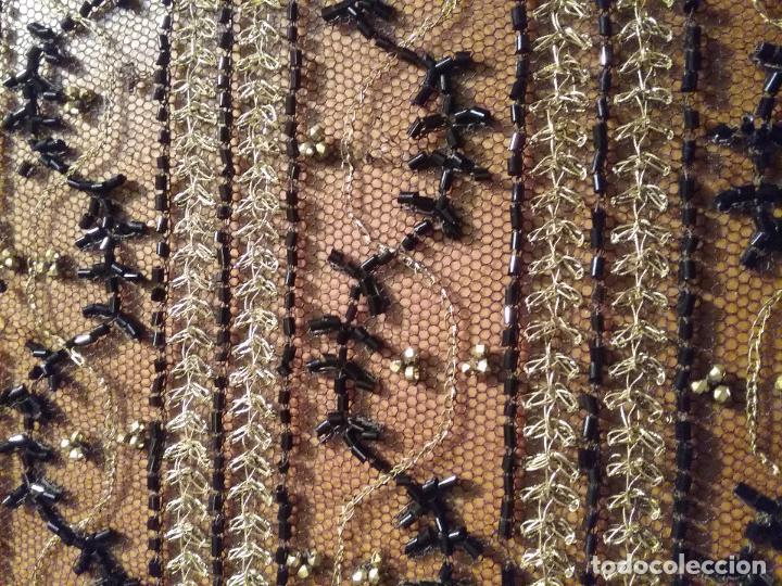 Antigüedades: antiguo tul bordado negro pedreria dorada oro y cristal de azabaches difuntos semana santa virgen - Foto 19 - 105933943
