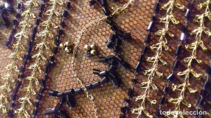 Antigüedades: antiguo tul bordado negro pedreria dorada oro y cristal de azabaches difuntos semana santa virgen - Foto 23 - 105933943