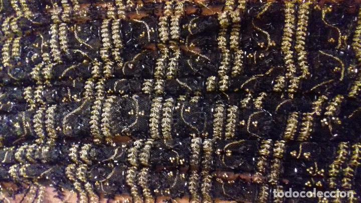 Antigüedades: antiguo tul bordado negro pedreria dorada oro y cristal de azabaches difuntos semana santa virgen - Foto 14 - 105933943