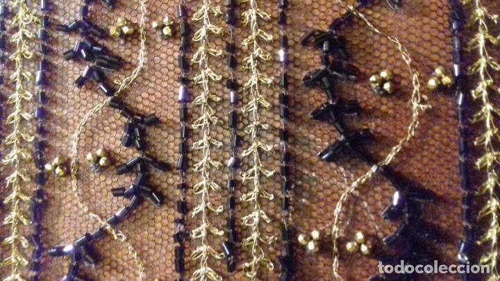 Antigüedades: antiguo tul bordado negro pedreria dorada oro y cristal de azabaches difuntos semana santa virgen - Foto 27 - 105933943