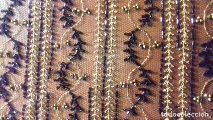 Antigüedades: antiguo tul bordado negro pedreria dorada oro y cristal de azabaches difuntos semana santa virgen - Foto 28 - 105933943