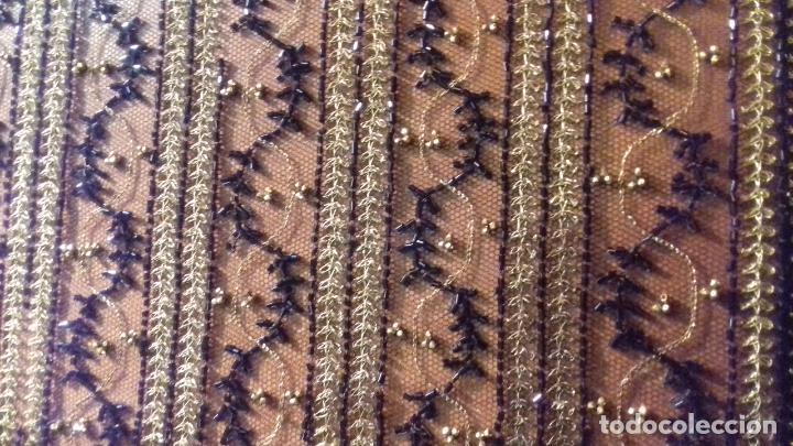 Antigüedades: antiguo tul bordado negro pedreria dorada oro y cristal de azabaches difuntos semana santa virgen - Foto 12 - 105933943