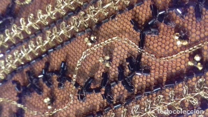 Antigüedades: antiguo tul bordado negro pedreria dorada oro y cristal de azabaches difuntos semana santa virgen - Foto 30 - 105933943