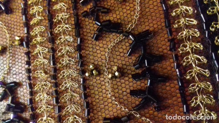 Antigüedades: antiguo tul bordado negro pedreria dorada oro y cristal de azabaches difuntos semana santa virgen - Foto 21 - 105933943