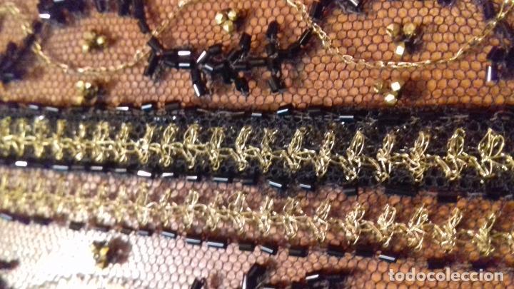 Antigüedades: antiguo tul bordado negro pedreria dorada oro y cristal de azabaches difuntos semana santa virgen - Foto 41 - 105933943