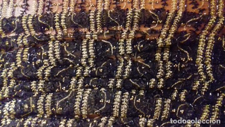 Antigüedades: antiguo tul bordado negro pedreria dorada oro y cristal de azabaches difuntos semana santa virgen - Foto 43 - 105933943