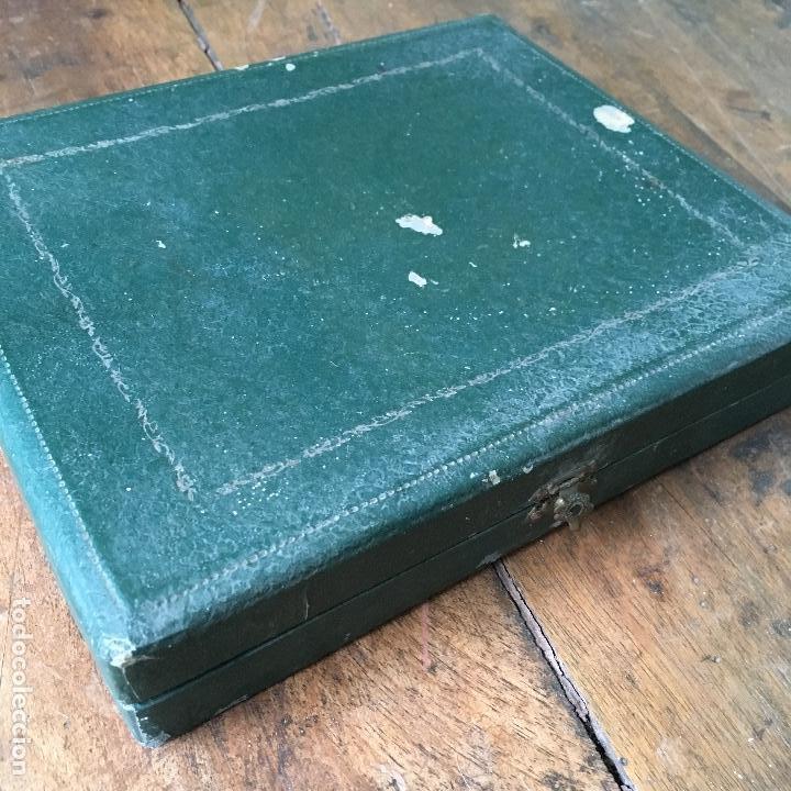 Antigüedades: 6 cucharas plateadas para postre en su caja - Foto 3 - 105963427