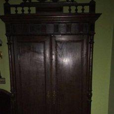 Antigüedades: ARMARIO DE MADERA. Lote 105963715