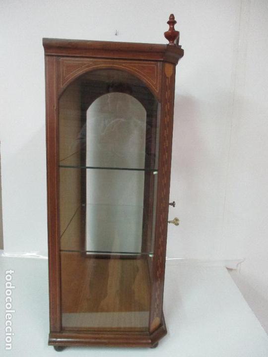Antigüedades: Antigua Capilla - Vitrina - Carlos IV - Madera de Nogal - Marquetería - Finales S. XVIII - Foto 16 - 105985151