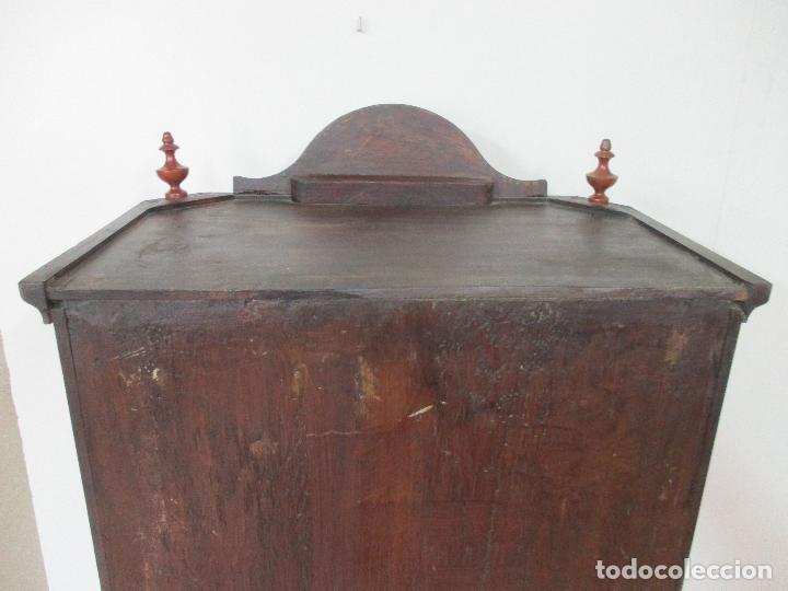 Antigüedades: Antigua Capilla - Vitrina - Carlos IV - Madera de Nogal - Marquetería - Finales S. XVIII - Foto 21 - 105985151