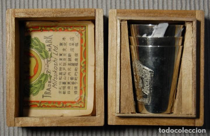 BELLISIMA CAJITA CON 3 VASITOS CEREMONIALES JAPONESES DE PLATA PURA.AÑOS 1900-1930.ESPECTACULARES (Antigüedades - Platería - Plata de Ley Antigua)
