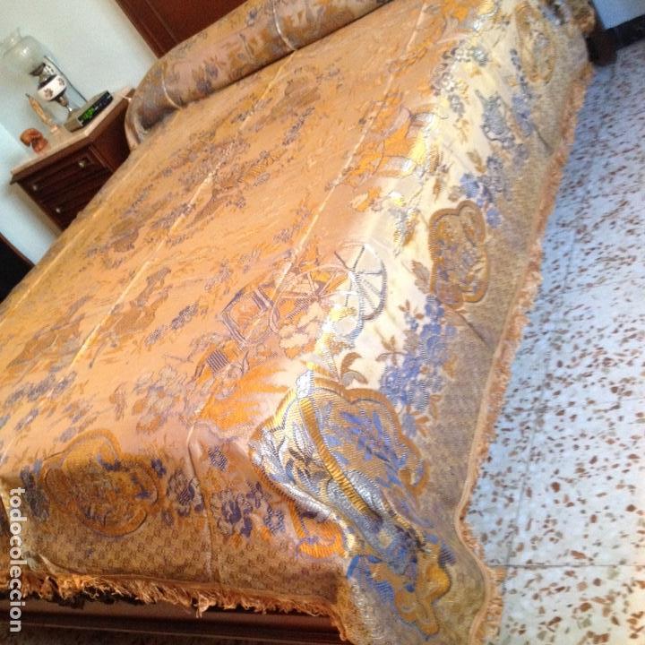 Antigüedades: Colcha antigua de seda - Foto 2 - 106025071