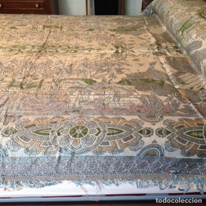Antigüedades: Colcha antigua de seda - Foto 2 - 106025299