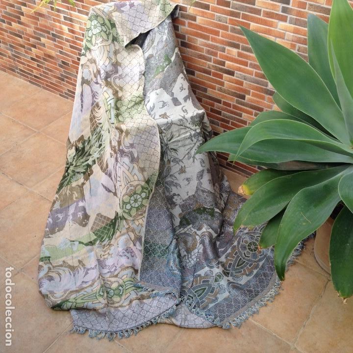 Antigüedades: Colcha antigua de seda - Foto 5 - 106025299