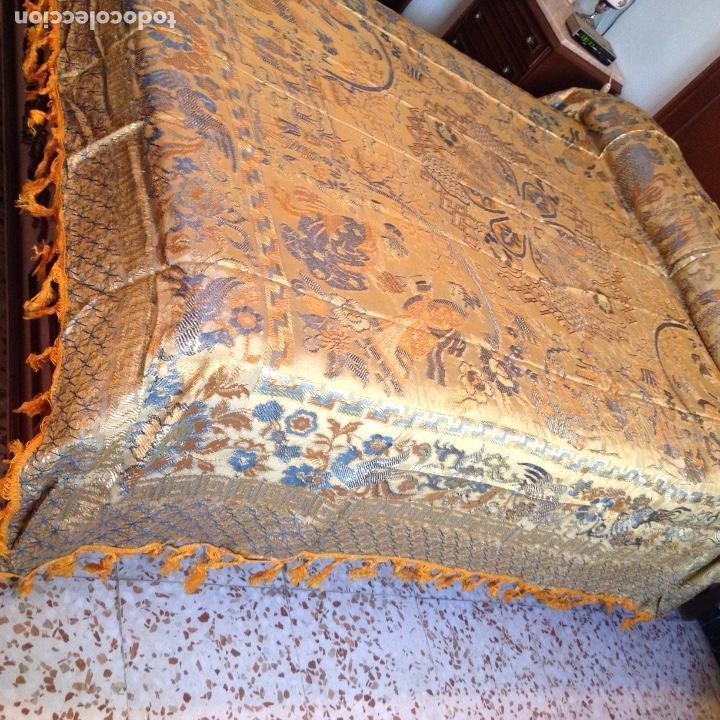 Antigüedades: Colcha antigua de seda - Foto 2 - 106025427