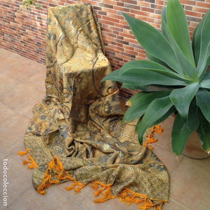 Antigüedades: Colcha antigua de seda - Foto 5 - 106025427