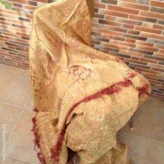Antigüedades: COLCHA ANTIGUA DE SEDA. Lote 106024423