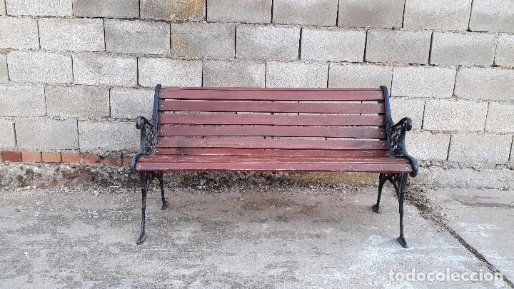 Antigüedades: Banco antiguo de madera y hierro, sofa o banco de jardín estilo francés, retro vintage - Foto 4 - 106072359