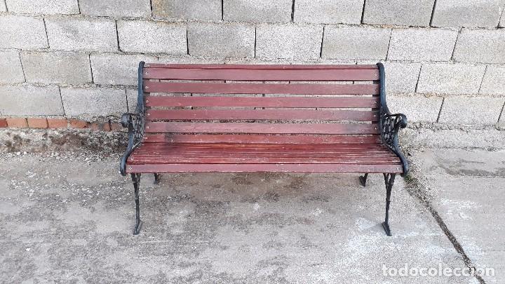 Antigüedades: Banco antiguo de madera y hierro, sofa o banco de jardín estilo francés, retro vintage - Foto 5 - 106072359
