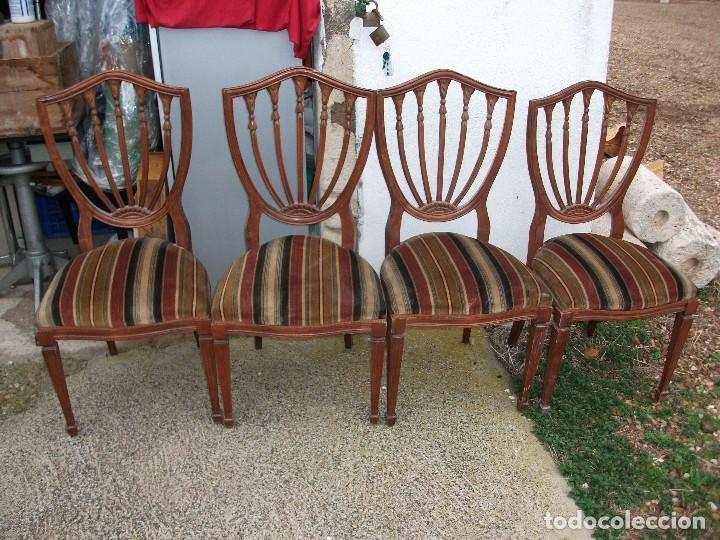 Mesa de comedor redonda extensible pata central bronce 90 cm. abierta 120  cm. cristal y 4 sillas