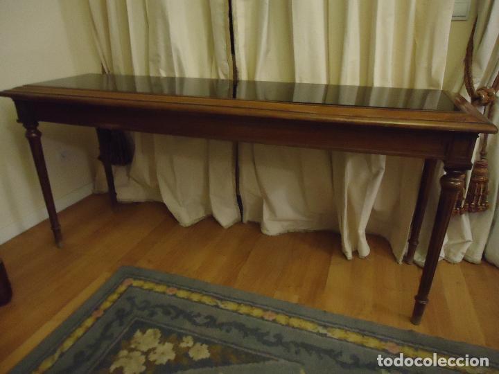 ESPECTACULAR CONSOLA TAMAÑO GRANDE EN NOGAL SATÍN MACIZO. 175 X 55 X 90 DE ALTO. (Antigüedades - Muebles Antiguos - Consolas Antiguas)