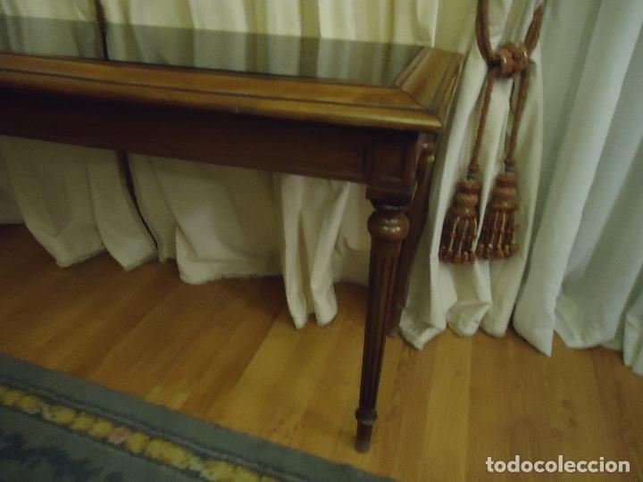 Antigüedades: Espectacular consola tamaño grande en nogal Satín macizo. 175 x 55 x 90 de alto. - Foto 7 - 106110779