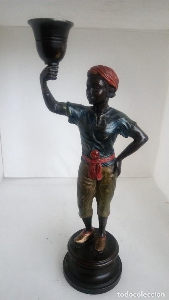 FIGURA PORTAVELAS BECARA 1964, ALTURA INCLUIDA PEANA 27 CM (Antigüedades - Hogar y Decoración - Figuras Antiguas)