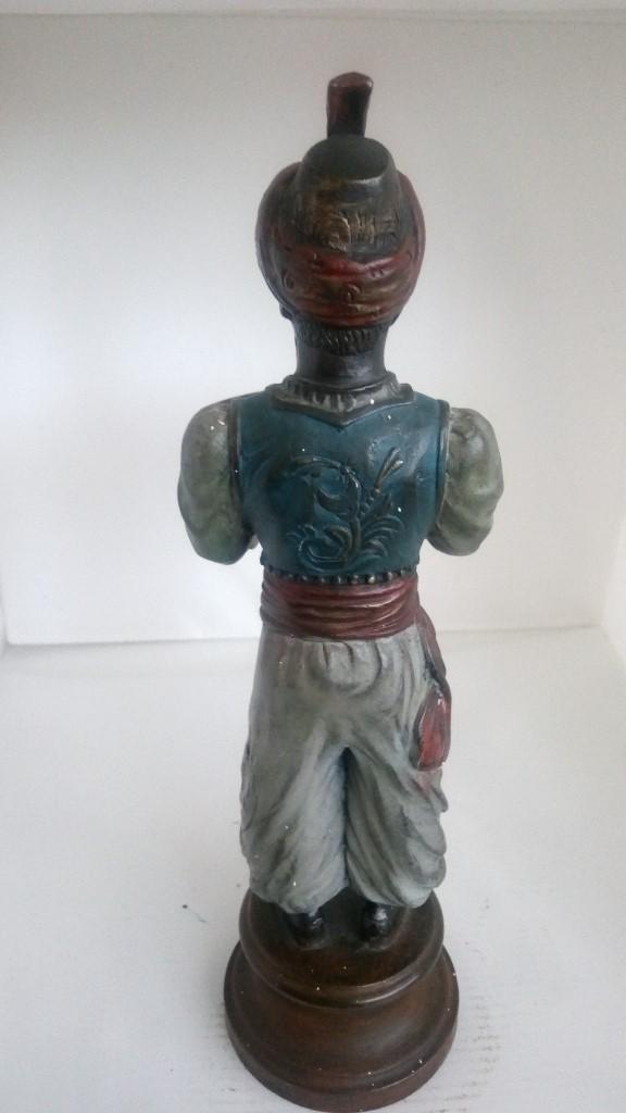 Antigüedades: FIGURA CON BANDEJA PARA TARJETAS, BECARA 1964, ALTURA INCLUIDA PEANA 26 CM - Foto 2 - 106135611