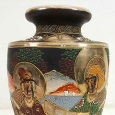 Antigüedades: JARRÓN. CERÁMICA JAPONESA. ESMALTADO Y DECORADO A MANO. ESTILO SATSUMA. SIGLO XX.. Lote 106146807