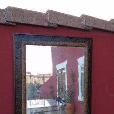 Antigüedades: ESPEJO ANTIGUO DE MADERA.. Lote 106156663