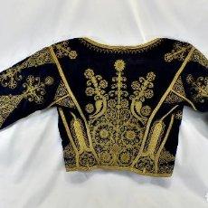 Antigüedades: T1 MARAVILLOSA CHAQUETA CORTA, TORERA GOYESCA HILOS DE ORO EN VISTAS Y TERCIOPELO. FINES XVIII. Lote 106176259